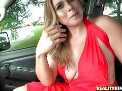 Curvaceous Milf Fleshes Her Charms For Cash 1