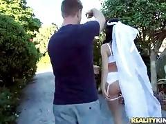 Gorgeous Bride Wants To Fuck Before Wedding 2